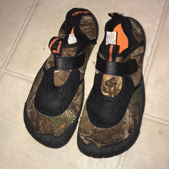 ef7c10b1ef4a1 ... Water Shoes Mossy Oaks RealTree. M_5cbf4a189d3b78806fc43975